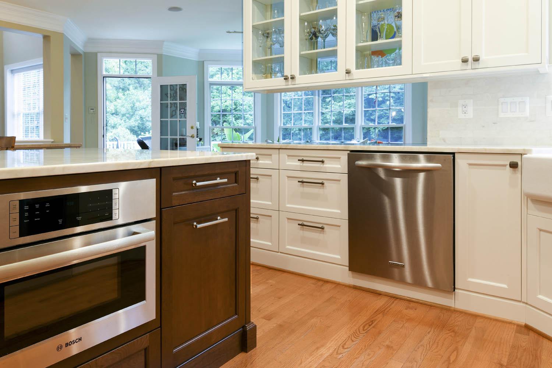 kitchen stove & dishwasher